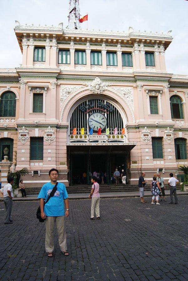 Ho Chi Minh Post Office Tempat Wisata Ho Chi Minh