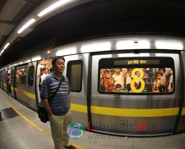 Subway Delhi Metro