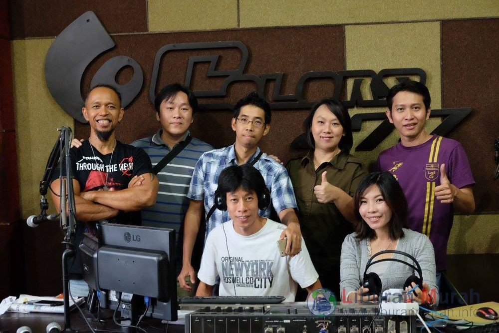 Radio Colors FM Liputan Media Komunitas Liburan Murah